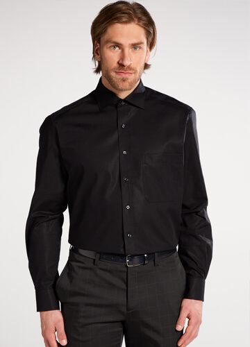 eterna-la-chemise-noire-passe-partout