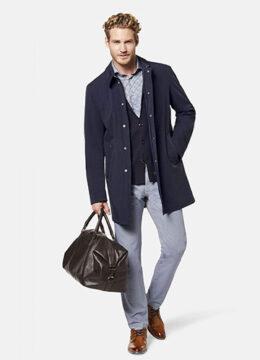 bugatti-le-manteau-hydrofuge-coupe-moderne-avec-rayures-reflechissantes-sur-les-poches