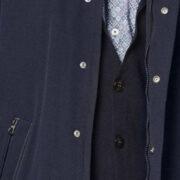 bugatti-le-manteau-hydrofuge-coupe-moderne-avec-rayures-reflechissantes-sur-les-poches-4