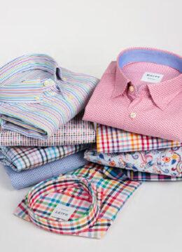 haupt-des-chemises-estivales-imprimees-haut-en-couleur-a-la-coupe-moderne