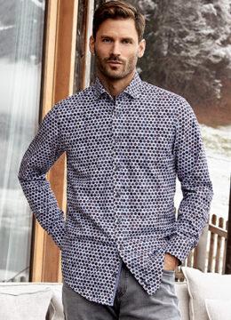 casa-moda-des-chemises-a-la-coupe-decontractee-aux-motifs-vibrants-en-pur-coton