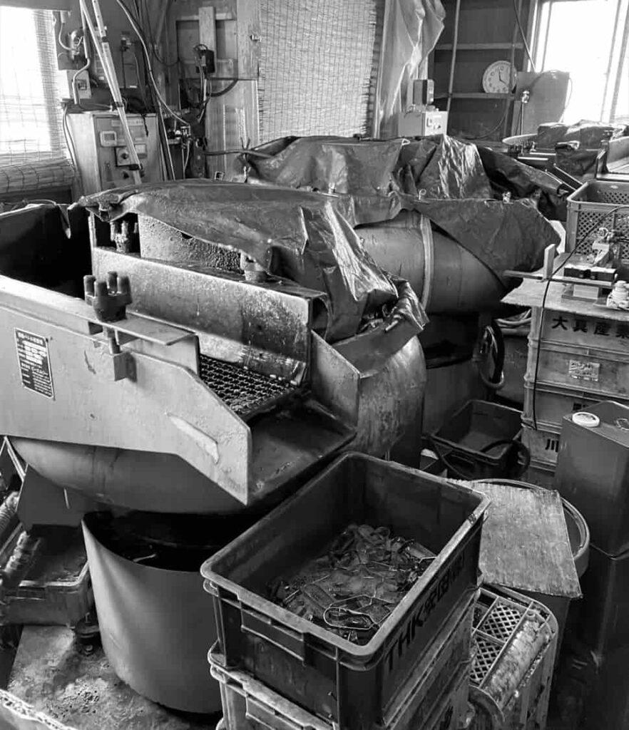 振動バレル研磨機