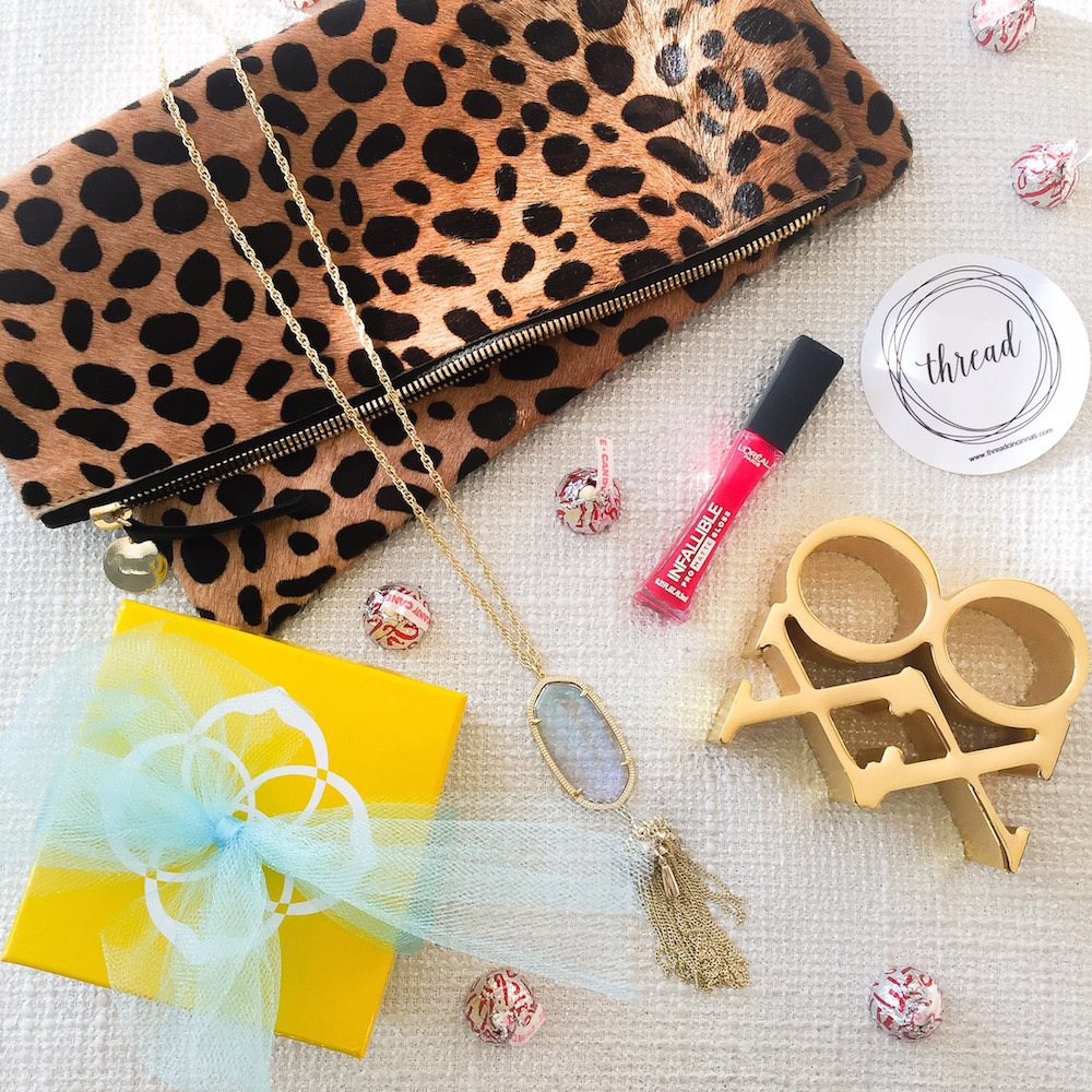 fashion blogger giveaway