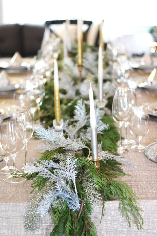 Tablescape | Easy Tips For Hosting Christmas | A Married Adventure