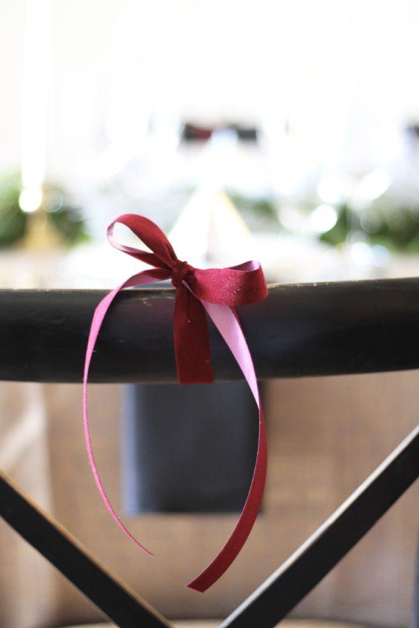 A Married Adventure Blog: Mixed Metallics Christmas Tablescape: amberpizante.com