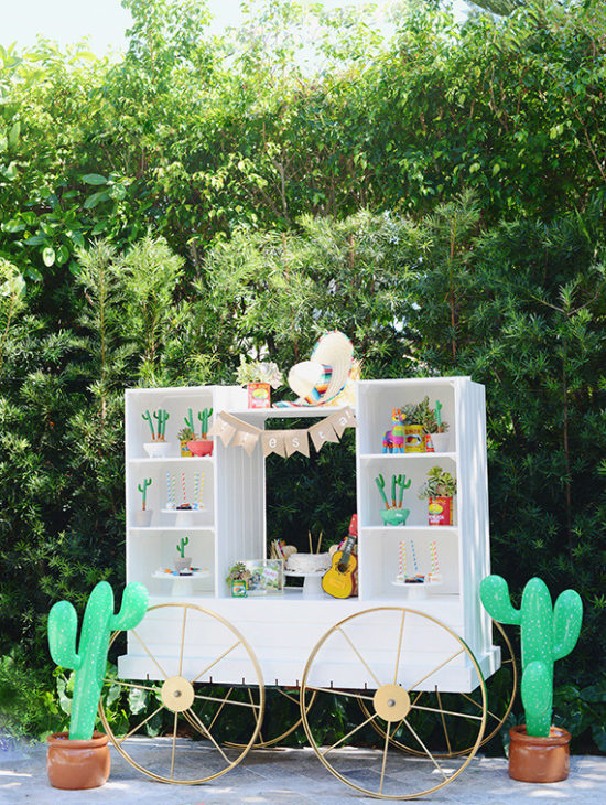 Skip the Siesta, Let's Fiesta! Cinco de Mayo Party Inspiration | amberpizante.com
