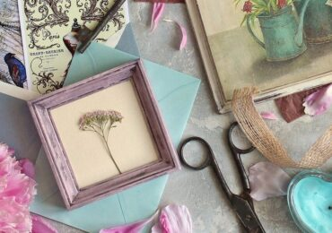 Idea for the Week: Pressed Flower Frame