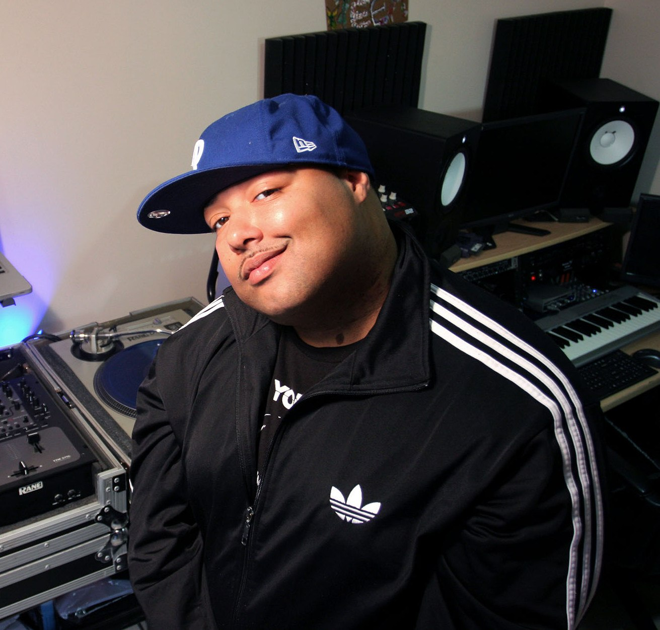 dj_dramadik_adidas_laptop_studio_phillies_hat_blue