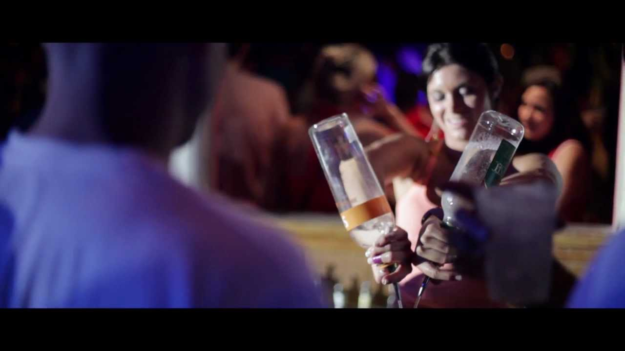 dj_bis_dj_drummer_show_bartender_drinks_pour_purple_hot_chick