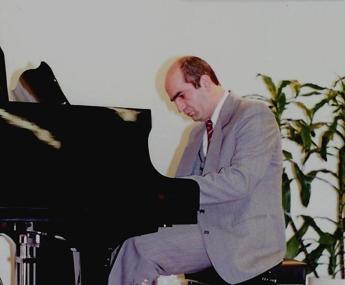 Grant Sevdayan-piano