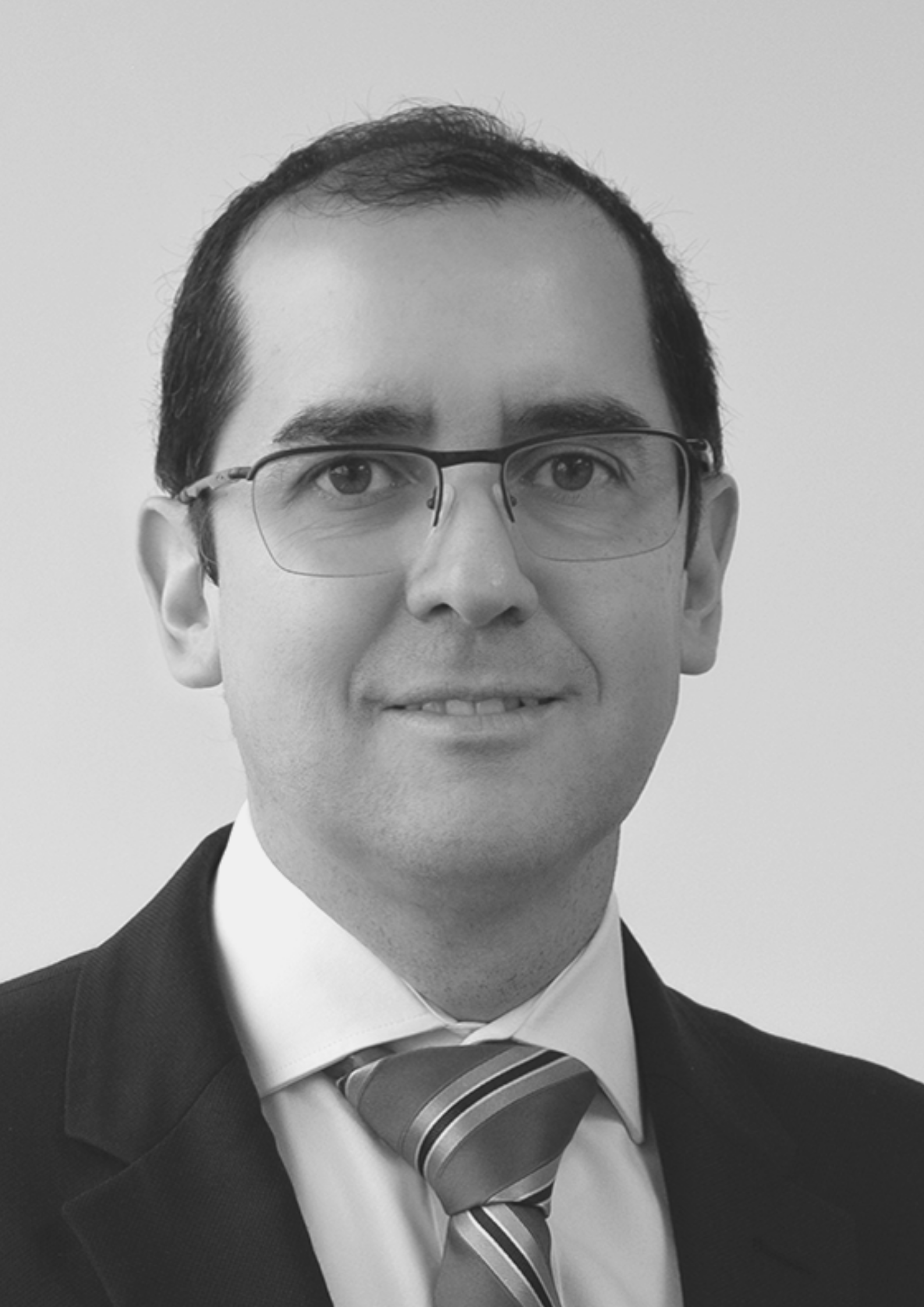 Roberto Santiváñez