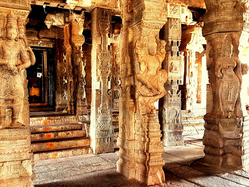 Places to visit in Lepakshi-Veerbhadra Temple