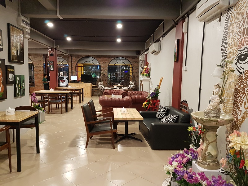 Oregano Cafe and Bar First Floor Batam - Journey to Batam Islands Indonesia