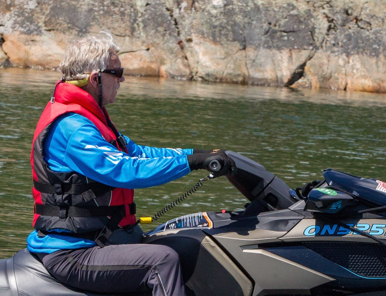 Make this best jet ski riding glove part of your PWC riding gear
