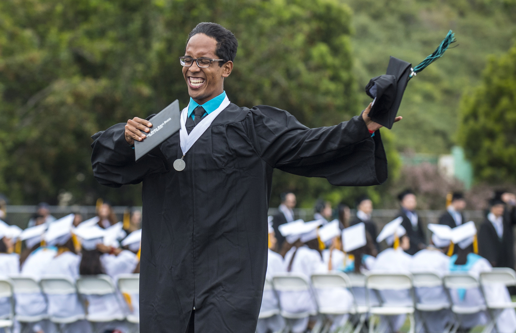 718 Seniors Graduate from Aliso Niguel High School