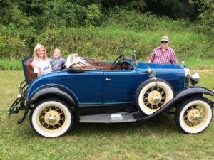 VK Ashley lil girl and Roger - rumble seat car