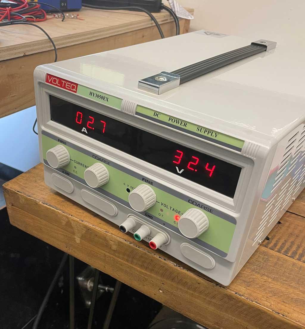1500 watt bench power supply