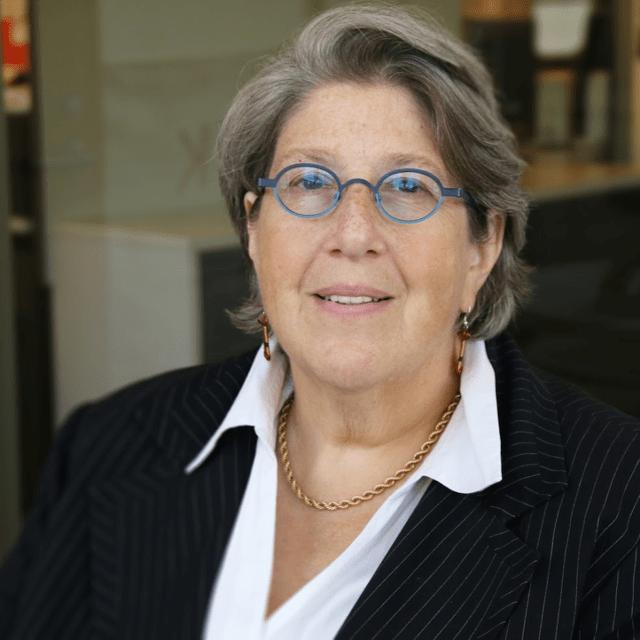 Janet Weinberg Headshot