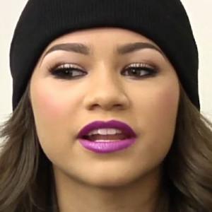 zendaya-purple-lipstick