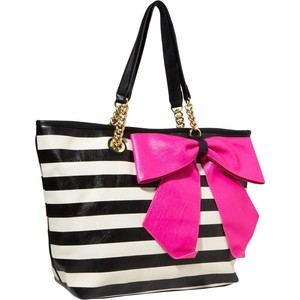 tote with bow