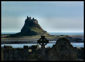 lindisfarne_castle_from_priory