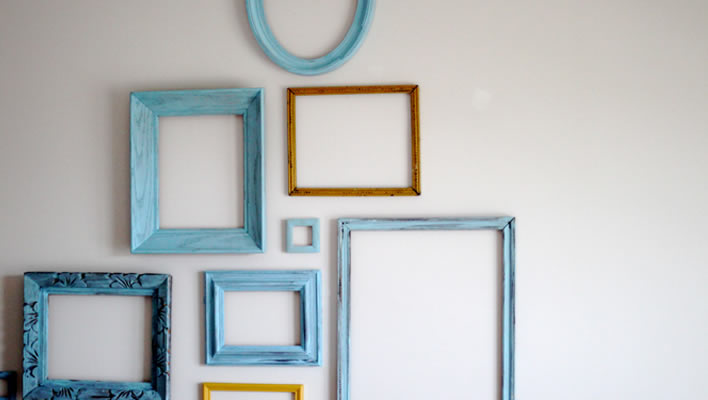 Decorating with empty picture frames
