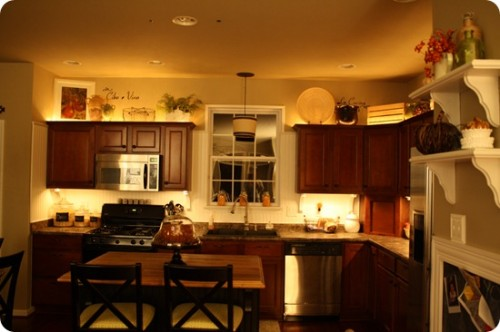 lighting over kitchen cabinets - thrifty decor chic