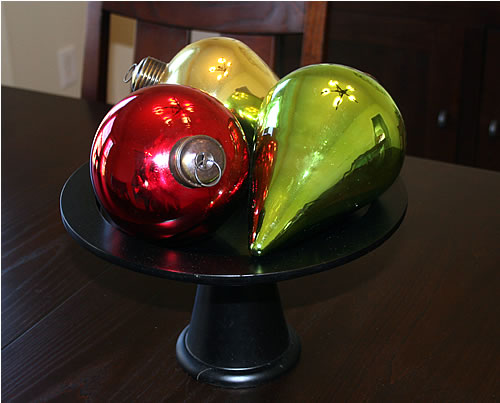 cake plate holiday Christmas bulbs