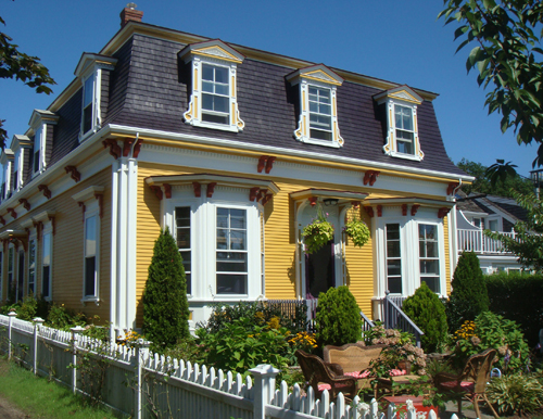 A Rainbow of Paint Colors for Your Home's Exterior