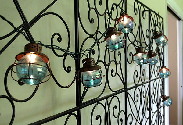 hanging metal screen on wall 3D effect