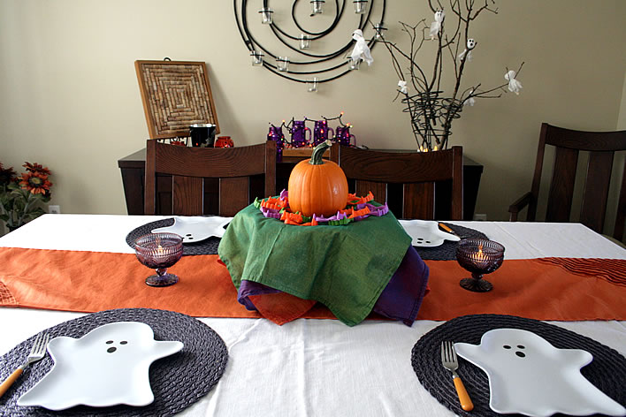 halloween tablescape room view