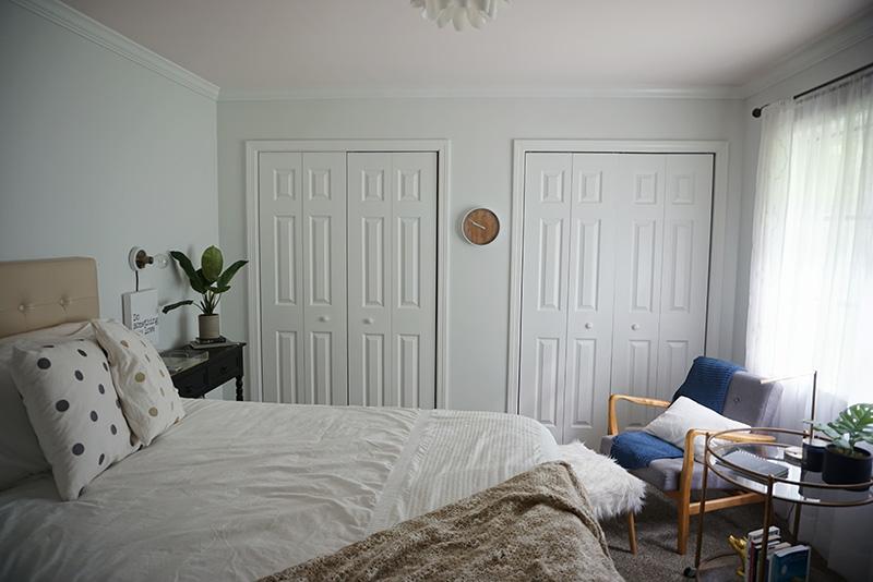 peaceful bedroom with minimalism vibes