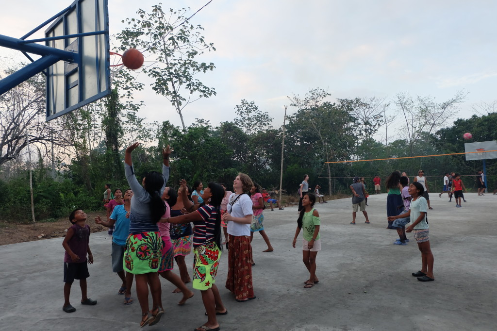 women playing basketball2