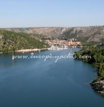 Skradin_from_the_bridge