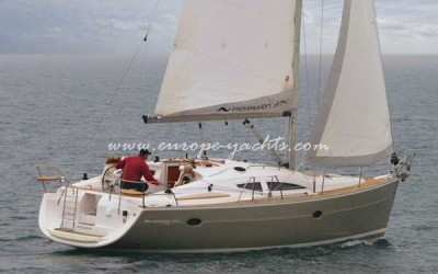 Elan Impression 384 sailing