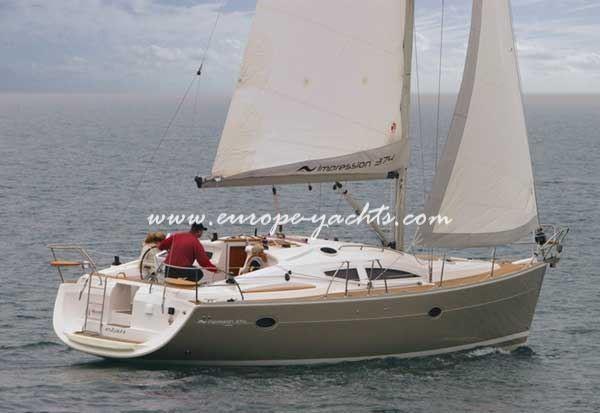 Elan Impression 384 sailing