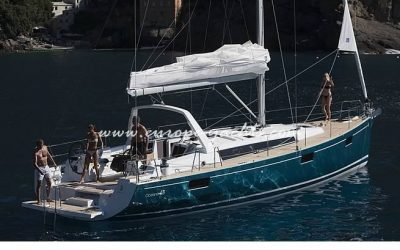 Beneteau_Oceanis_48_on_the_ancor