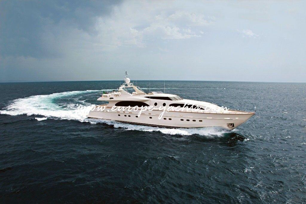 Helios yacht 1