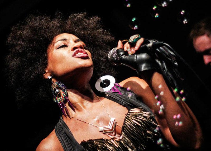 Jamera Simmons Singing