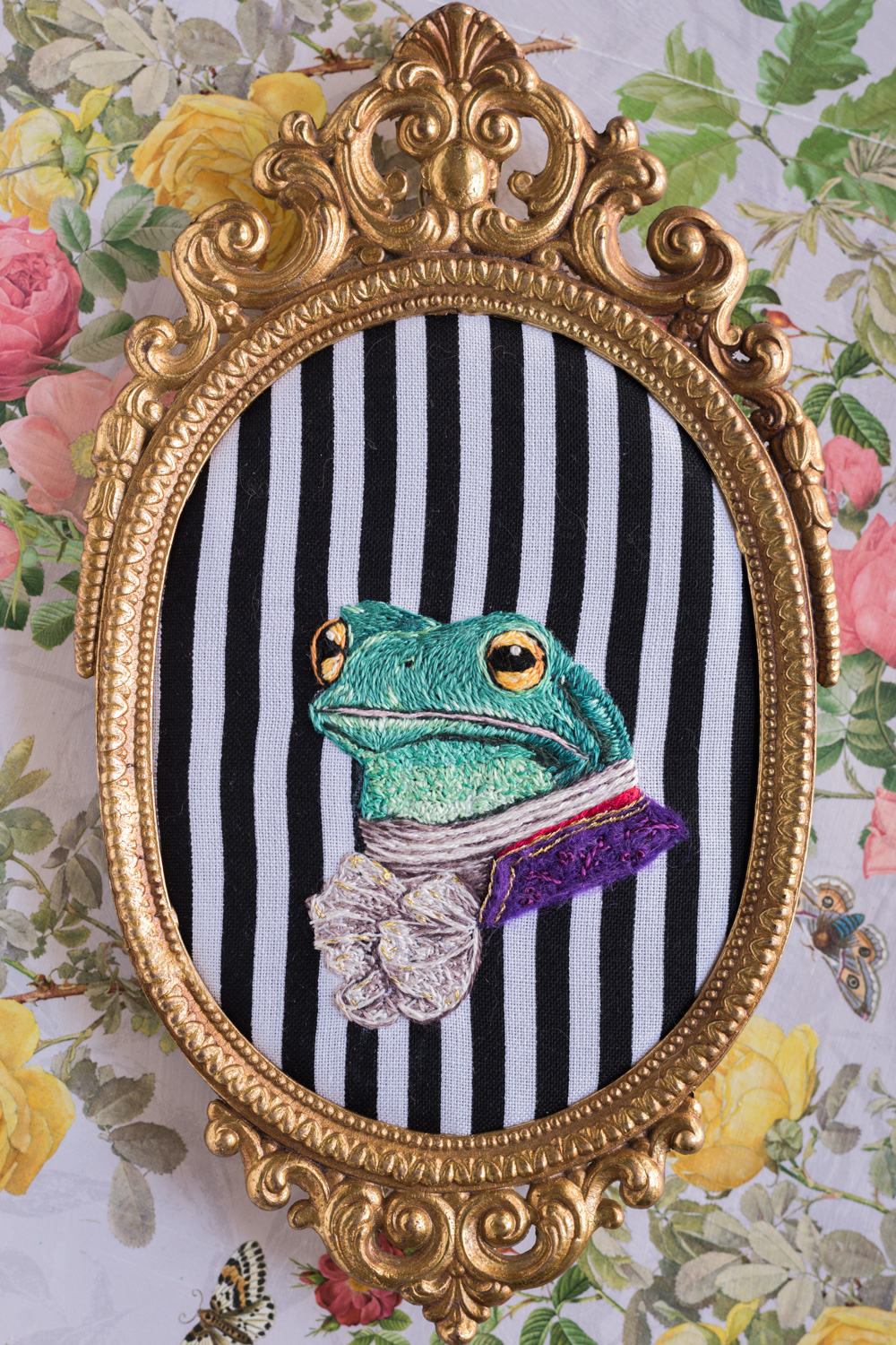 Embroidered Frog in Victorian clothing