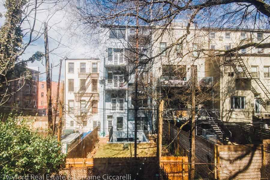 Brooklyn-Backyards-9