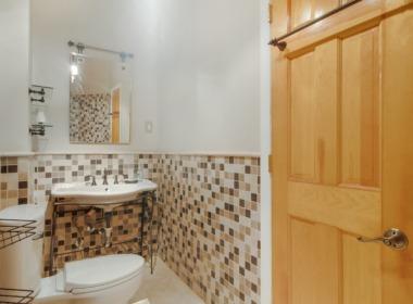 224 Wakeman bath