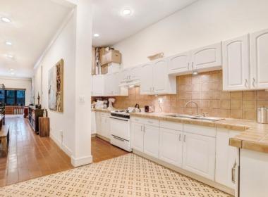 496 Court St #1 kitchen