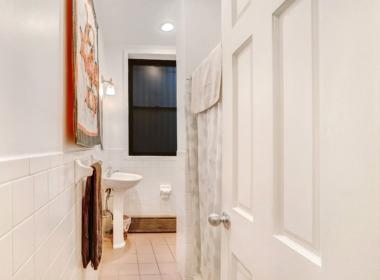 496 Court St #1bathroom