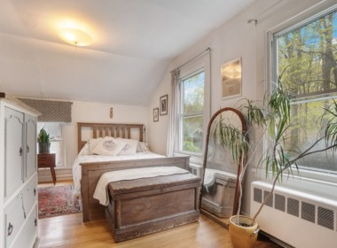 447 Liberty St master bedroom