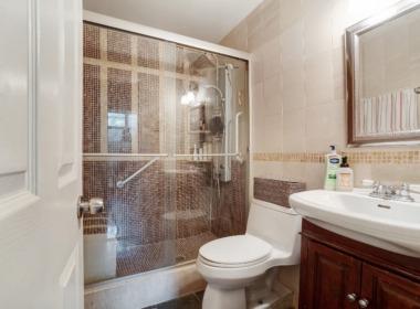 505 Court 2Q bathroom