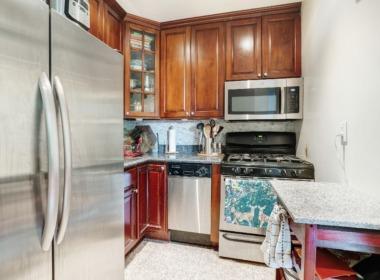 505 Court 2Q kitchen