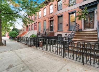 128 Douglass St block