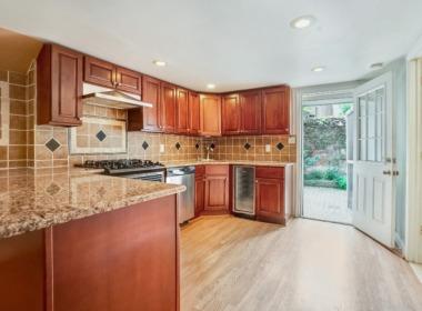 128 Douglass kitchen