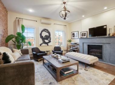 130 2nd Pl;#4 livingroom